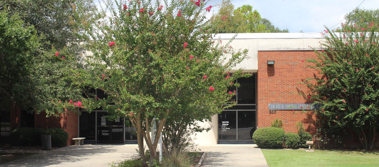 Valdosta-Lowndes County Library inaugurated in 1968